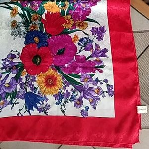 Just in! BERKSHIRE Vintage Vibrant Bouquet Scarf